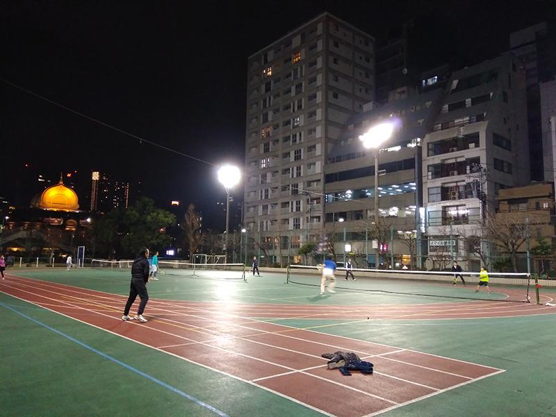 築地でテニス