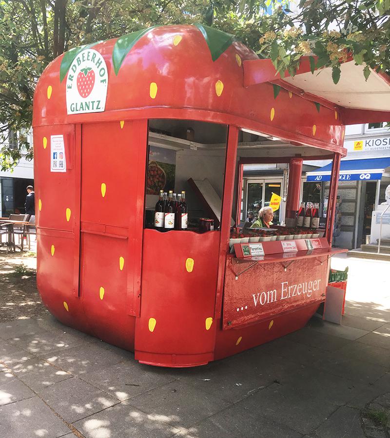 イチゴ販売のブース