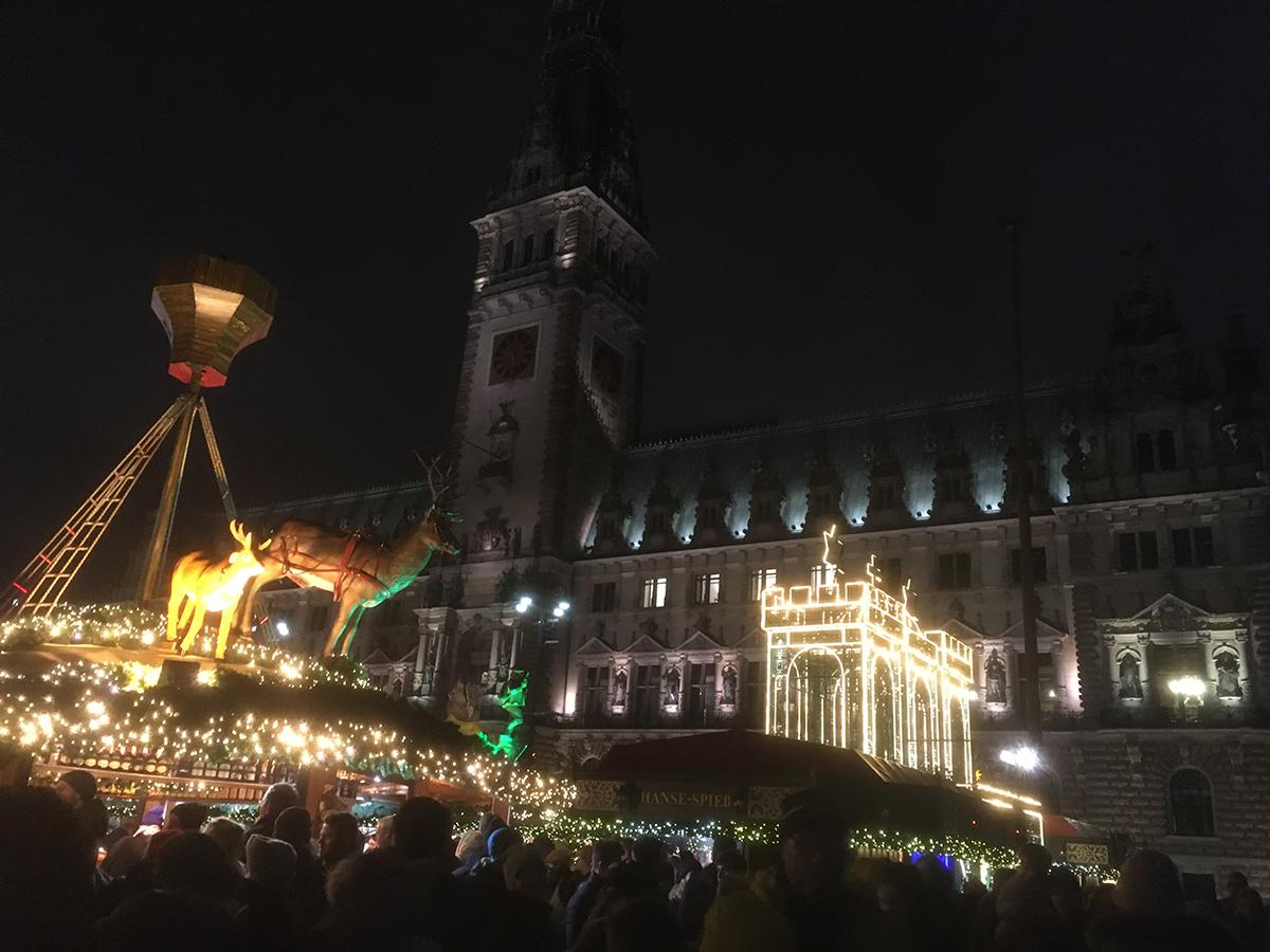 Rathaus Markt (市庁舎前)のクリスマスマーケット